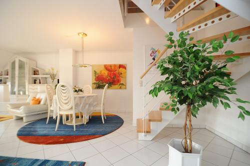 Sichere Kapitalanlage oder doch Selbstnutzung ?!? Schöne, helle Maisonettewohnung mit Dachterrasse im Schälzig